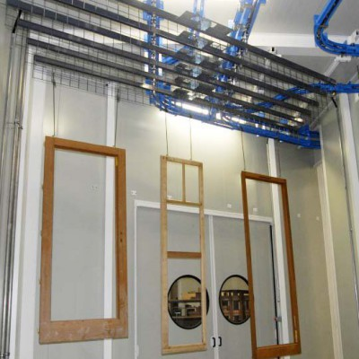 Aufhängebügel für Holzlackieranlagen